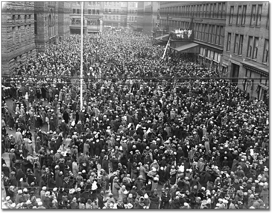 Picture of large crowds
